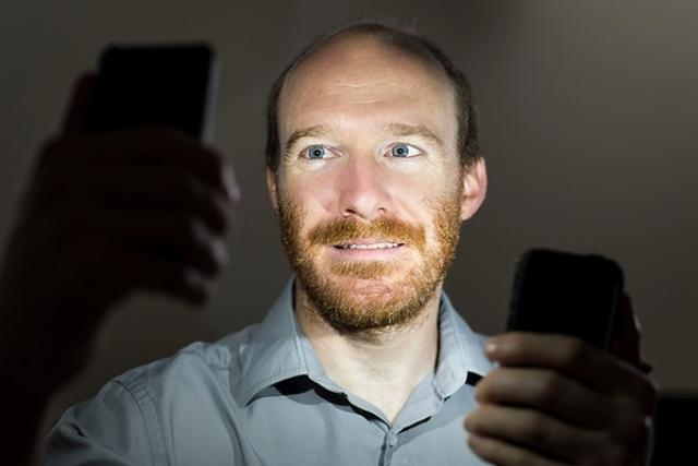 Justin Vandenbroucke pracuje na Univerzitě ve Wisconsinu a jeho tým přišel s aplikací nazvanou DECO