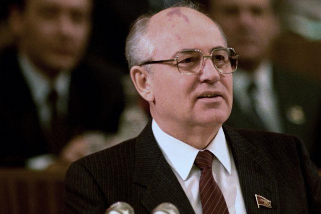 Michail Gorbačov v únoru 1987