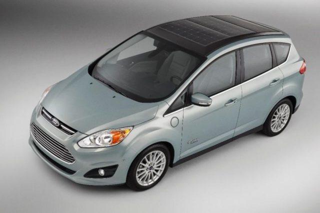 Konceptní hybridní prototyp firmy Ford - Ford C-Max Solar Energi   foto:  Ford
