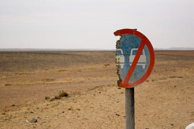 O Pobřeží koster v Namibii domorodci z kmene Nama říkají, že je to místo, které stvořil Bůh v hněvu