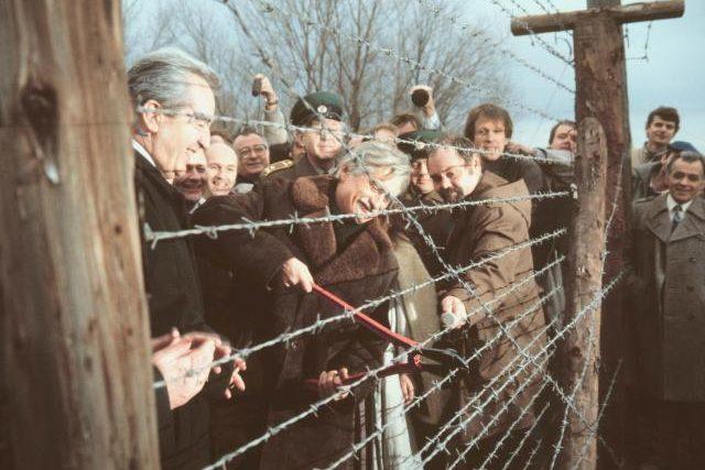 Stříhání hraničních drátů