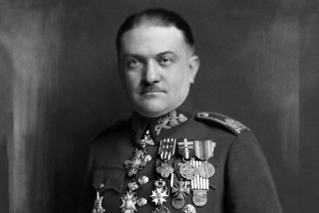 Generál Alois Eliáš na snímku z Atelieru Langhans