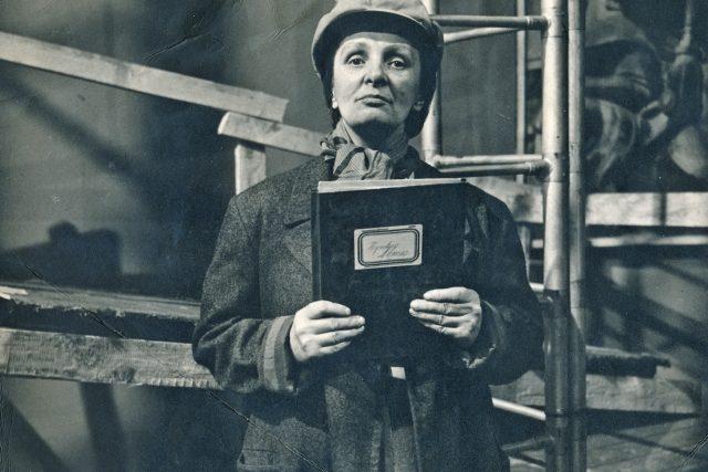 Světla Svozilová na nedatované poválečné fotografii