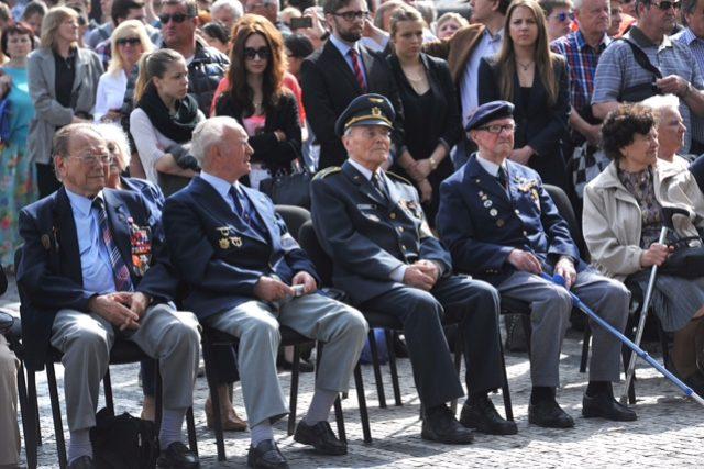 Pietní akt k 70. výročí Pražského povstání na Staroměstském náměstí