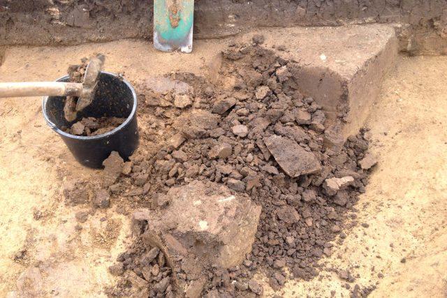 Archeologie obnáší spoustu přesunů hlíny