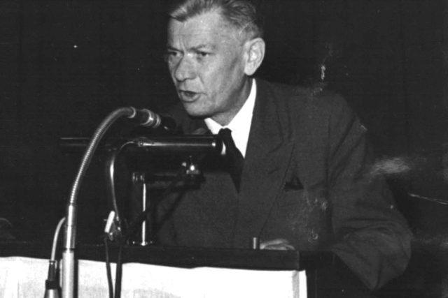 Josef Smrkovský - místopředseda ČNR v době Pražského povstání