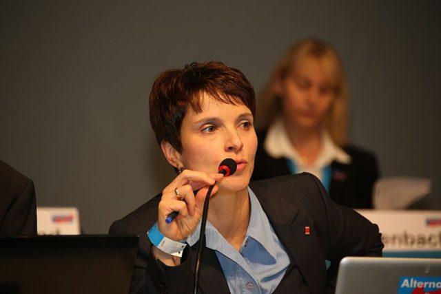 Frauke Petryová, předsedkyně neměcké krajně pravicové Alternative für Deutschland