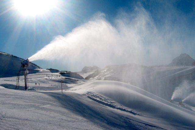 sněžné dělo