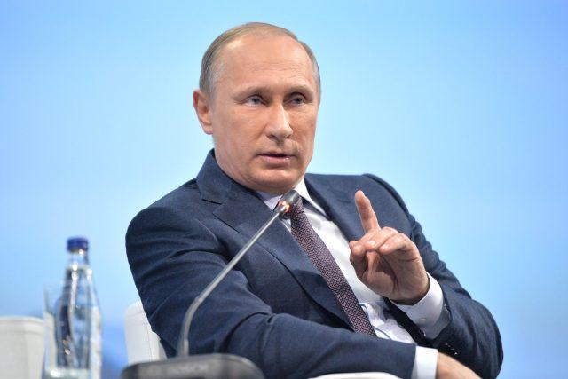 Ruský prezident Vladimir Putin nemá jinou šanci než jednat, pokud chce zachránit svého posledního chráněnce a diktátorského klienta na Blízkém východě