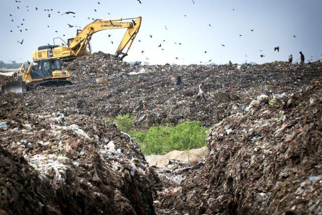 Skládka - odpad  -plýtvání - recyklace
