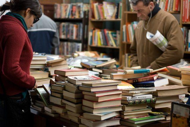 Knihy, knihkupectví