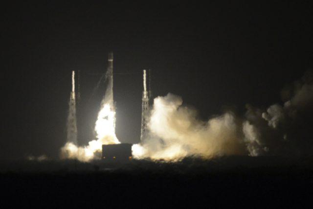 Start rakety Falcon 9 společnosti SpaceX z mysu Canaveral