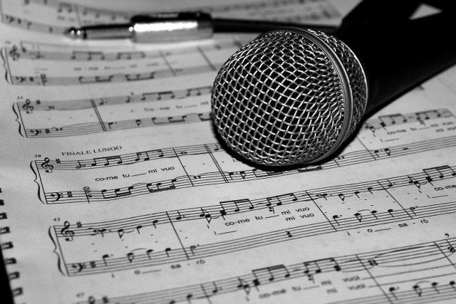 Noty, hudba, píseň