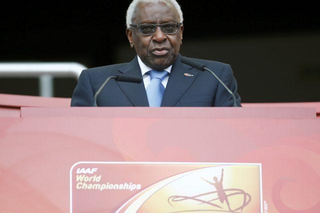Hlavním viníkem dopingové aféry je podle Světové antidopingové agentury  (WADA) bývalý prezident Mezinárodní atletické federace  (IAAF) Lamine Diack | foto:  Reuters