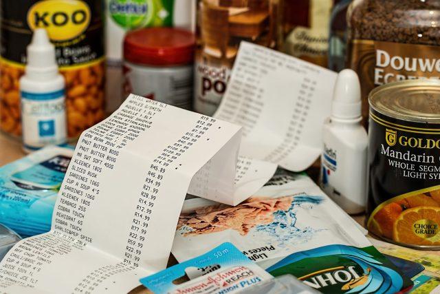 nakupování,  nákup,  účtenka,  zboží,  v obchodě,  shopping,  jídlo | foto: CC0 Public domain