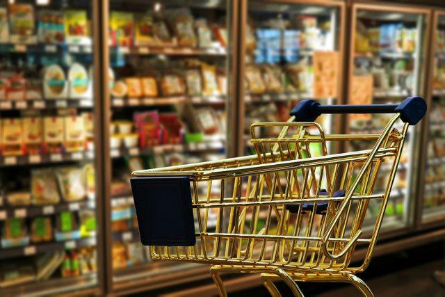 Každý Čech vyhodí v průměru jídlo za 20 tisíc korun ročně.