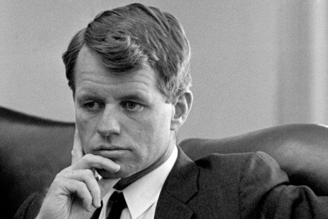 Robert F. Kennedy, Bílý dům, Washington 1964