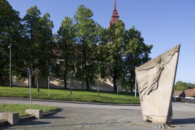 Kostel a fara v Babicích | foto: Michal Stehlík