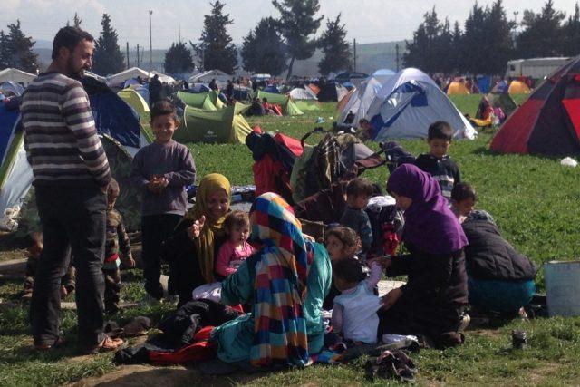 Uprchlíci v táboře na řecko-makedonském pomezí