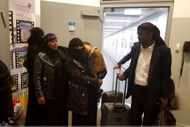 Skupina židovských imigrantů z Jemenu na izraelském letišti