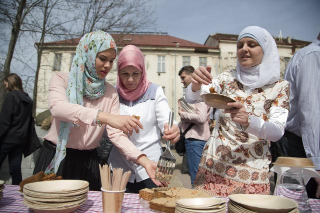 Nemáme skoro žádné migranty,  takže jsou napadáni muslimové,  kteří tu žijí dlouhodobě,  případně české konvertitky k islámu,  říká Klára Kalibová | foto: Lukáš Houdek