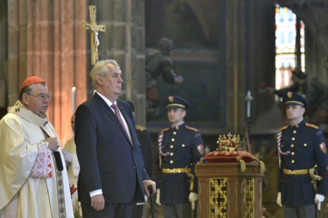 Není pan Duka víc politik, než duchovní? Jeho blízkost k prezidentům Klausovi a Zemanovi to naznačuje