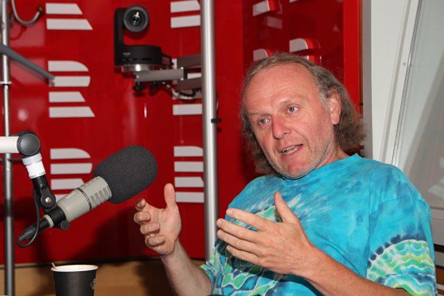 Jaroslav Dušek odpoídal na otázky moderátorky Lucie Výborné