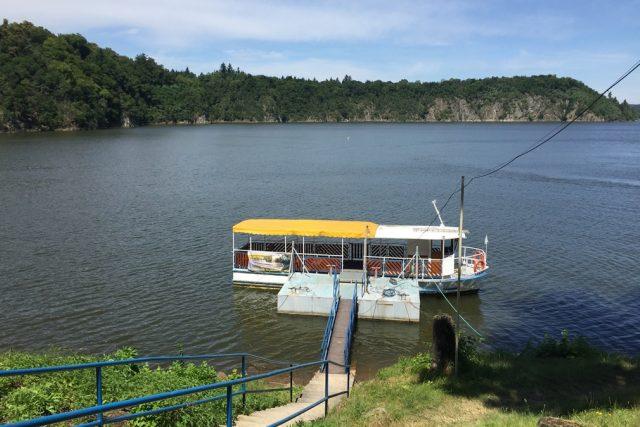 Přehrada Orlík člun lodě rekreace