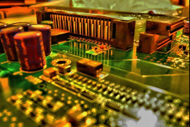 Sillicon Valley - čip - motherboard - počítače - umělá inteligence