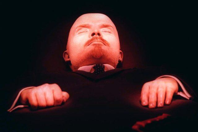 Lenin zůstává pro mnoho Rusů ikonickou postavou