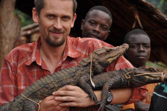 Přírodovědec Václav Gvoždík s krokodýlem konžským