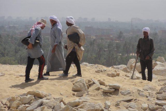 Momentka z každodenních vykopávek v Abúsíru