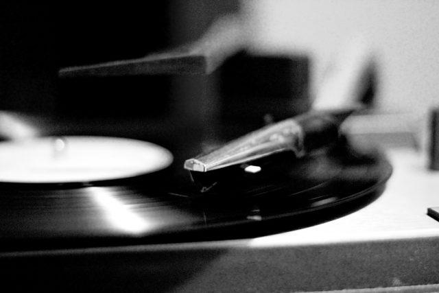 Vinyl - gramofon | foto:  Fabio Sola Penna,   CC BY 2.0