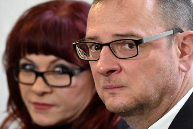 Petr Nečas a Jana Nečasová u soudu