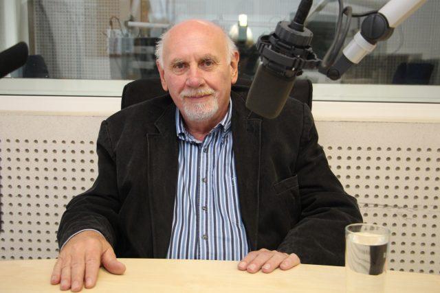 Pavel Rychetský při pravidelném nahrávání v Českém rozhlase Brno