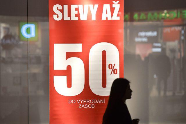Slevy,  nákup,  povánoční,  obchod,  sleva | foto: Filip Jandourek