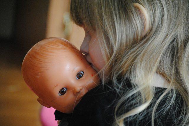 panenka, hračka, dětská hračka