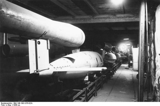 V halách se vyráběly rakety V1 a V2