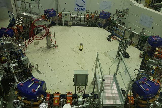 Redaktor Petr Kološ prozkoumal švýcarský CERN, včetně tzv. továrny na antihmotu