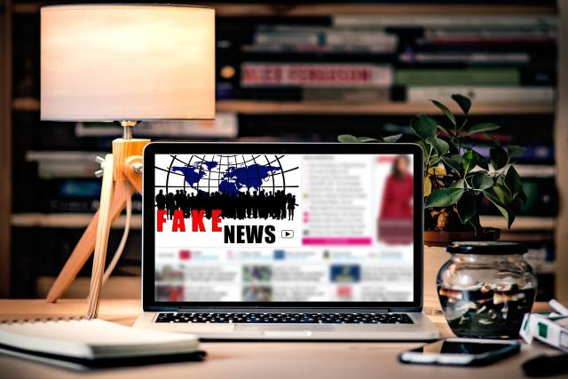Fake news - fámy - lživé zprávy