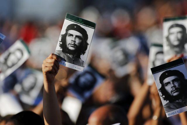 Na Kubě si lidé připomněli půl století od zabití Che Guevary