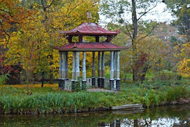 Podzamecká zahrada Kroměříž – Čínský pavilon. Jedna z památek, kterou chce Czech National trust zachránit