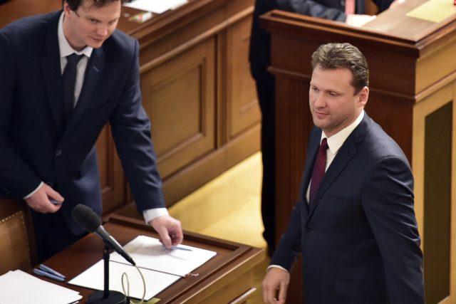 Radek Vondráček přichází složit poslanecký slib