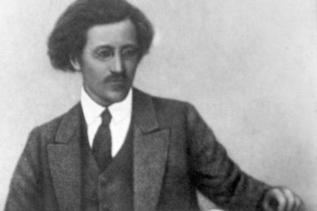 Vladimir Antonov-Ovsejenko v roce 1917