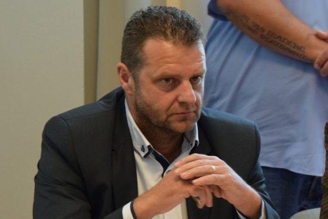 Zdeňka Ondráčka v pátek volilo 79 poslanců,  ke zvolení bylo potřeba 78 hlasů. Části poslanců vadilo jeho působení v pohotovostním pluku,  který zasahoval proti protirežimním demonstracím. Ondráček se nikdy za své chování neomluvil | foto: Michal Polášek