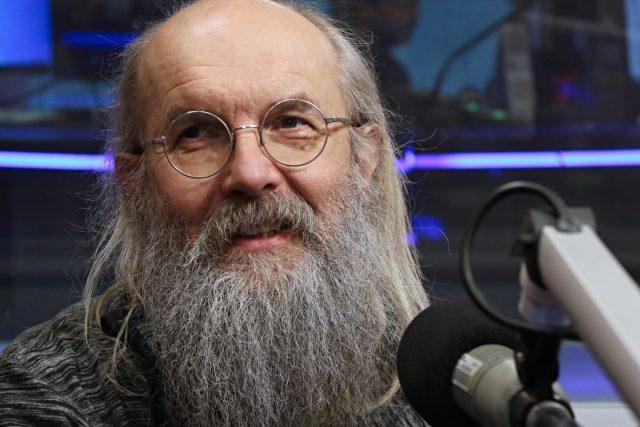 Jazykovědec Karel Oliva byl hostem Lucie Výborné.
