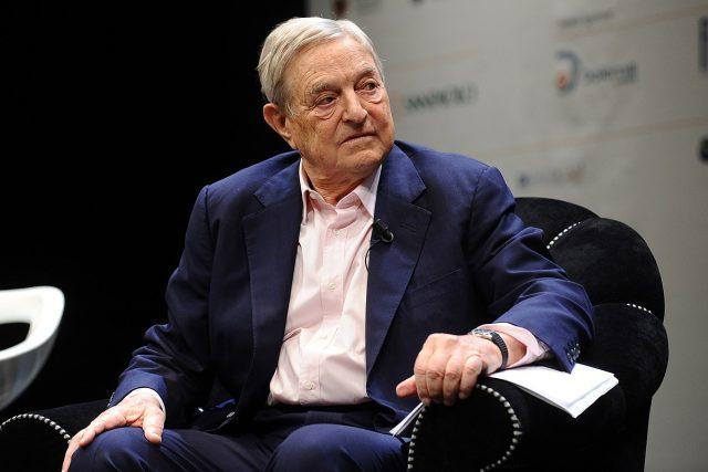 Soros je člověk, který věnuje miliardy na řešení nejzávažnějších problémů našeho regionu, na podporu demokracie, na boj se zaostalostí a chudobou, na řešení romského problému