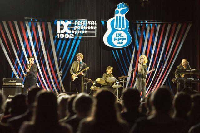 Festival politické písně - Svět pod hlavou
