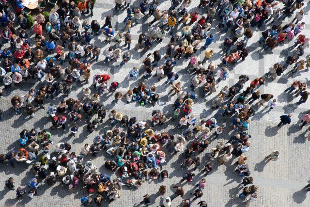 Český statistický úřad před pěti lety projektoval počet obyvatel v roce 2100 v rozmezí šesti a devíti milionů. Podle Langhamrové se ale prognóza nemusí naplnit,  protože současný vývoj je pozitivnější | foto: Fotobanka Profimedia
