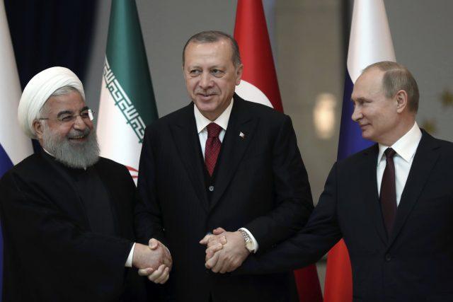 Setkání Recepa Tayyipa Erdogana s prezidenty Íránu a Ruska směřuje k překreslení dosavadní politické moci v regionu   foto: Tolga Bozoglu,  ČTK